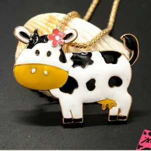 NWT•Betsey enamel Cow w/bow long necklace